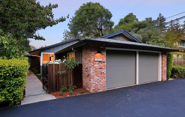 1065 Los Robles Ave, Palo Alto CA 94306