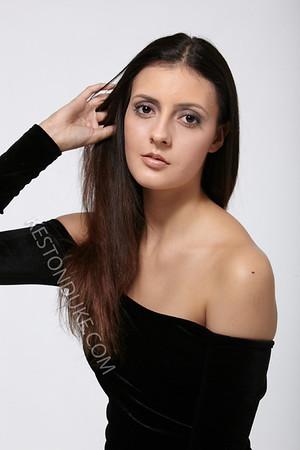 Danielle F_157