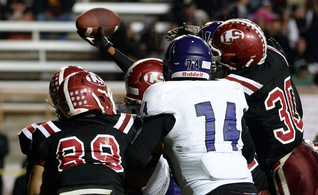 . Norwalk\'s Rashaad Penny scores a touchdown against La Serna in the first half of a CIF-SS Southeast Division championship football game at Cal State Fullerton stadium in Fullerton, Calif., on Saturday, Dec. 7, 2013.   (Keith Birmingham Pasadena Star-News)
