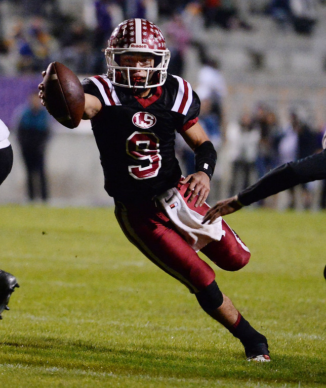 . La Serna quarterback Frankie Palmer (9) runs for a touchdown against Norwalk in the first half of a CIF-SS Southeast Division championship football game at Cal State Fullerton stadium in Fullerton, Calif., on Saturday, Dec. 7, 2013.   (Keith Birmingham Pasadena Star-News)