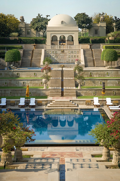 Agra Hotel Amarvilas Pool