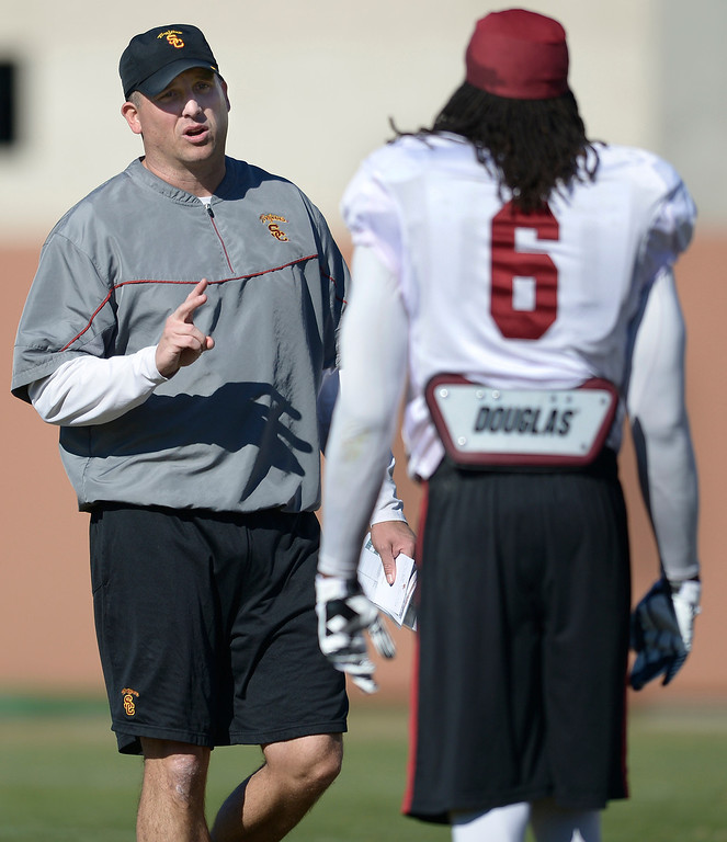. USC Coach Clay Helton held the final Saturday practice of the season before the Trojans play Fresno State on December 21 in Las Vegas. Los Angeles, CA. 12/14/2013, photo by (John McCoy/Los Angeles Daily News)