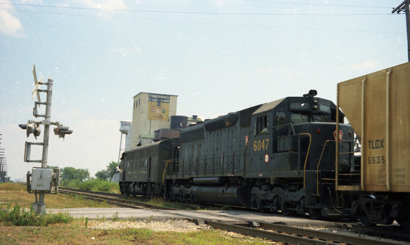 Penn-Central Freight Train passes Toberman's Elevator in St. Jacob, IL.