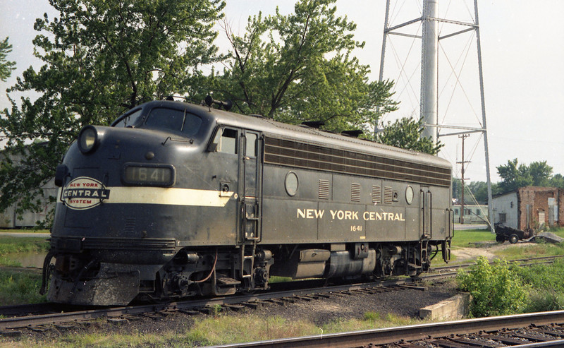 New York Central F-Unit, set out at St. Jacob, IL.