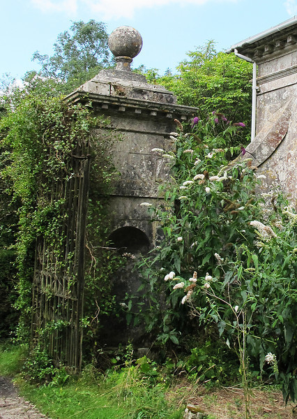 Originally the top entrance to the mansion which is now Milton Abbey School, these gates and gatehouses are now in need of some tender loving care.