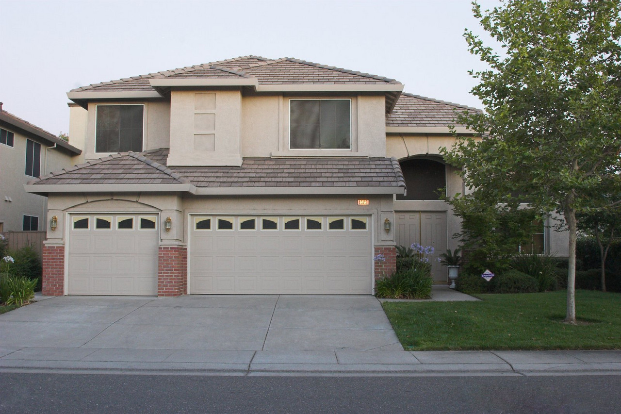 This was our second home in Folsom, CA, which we sold and handed over the keys in August 2007.