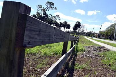 088a Roadside Fence 10-12-17