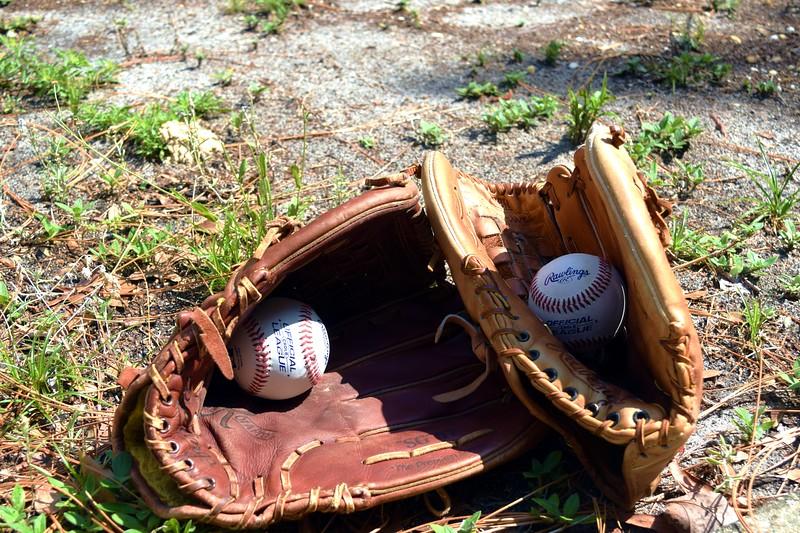 068a Baseball Gloves 5-3-17