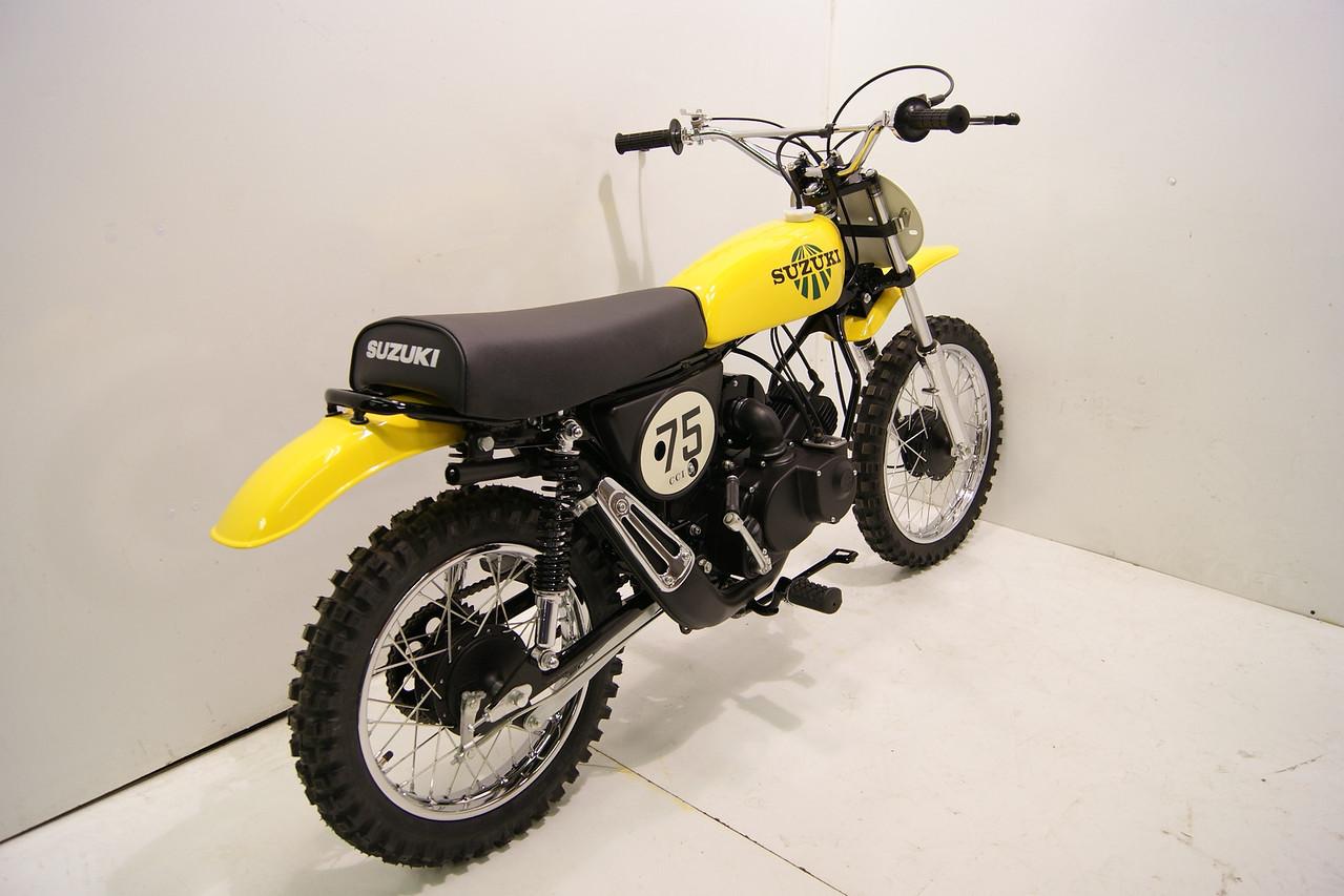 1975 suzuki tm75 - moman111