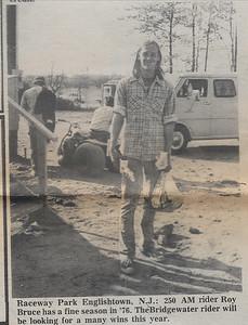 bruce_racewaynews_1976_049