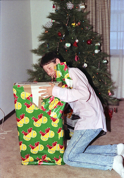 1989 Topeka, KS Christmas w:Larry and mom - 07