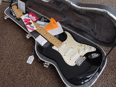 1996 MINT black strat plus