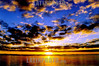 Brasil - Porto Alegre : puesta del sol en el rio Guaiba  . / Pur-do-sol do rio Guaiba na Avenida Padre Cacique na cidade de Porto Alegre. / Brazil: sunset ,  Guaiba river. / Brasilien: Sonnenuntergang beim Rio Guauba in Porto Alegre. Stadt. Panorama. /<br /> © Jefferson Bernardes/LATINPHOTO.org