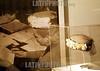 Argentina - Buenos Aires (24-07-2002) : Se inauguro el Museo Evita en Buenos Aires, en el edificio donde 50 anos antes funcionaba el Hogar de Transito N 2, creado por Eva Peron .  Las muestras recorren la vida de Eva Peron desde su ninez hasta su muerte, pasando por su activa vida politica. Foto de Evita en su despacho usando un sombrero que se muestra en el museo / Argentina - Buenos Aires: The Museum Evita was inaugurated in the same building where a trasnsit home was founded 50 years ago by Eva Duarte of Peron. In the museum visitants can observ the different moments of the life of a politically very strong woman for Argentina. A photograph of Evita in her office wearing one of the hats in exposition / Argentinien - Buenos Aires: Mitten in der argentinischen Wirtschaftskrise wurde am 24.07.2002 ein neues Museum fur Eva Peron, genannt Evita, geborene Maria Eva Duarte (1919-1952) eroffnet. Eva war die zweite Ehefrau Juan Perons. Berühmt wurde ihre Geschichte durch das Musical Evita von Andrew Lloyd Webber und Tim Rice. Maria Eva Duarte wird bis heute von vielen Argentinier wie eine Nationalheilige verehrt. <br /> © Roberto Azcarate/Betha/LATINPHOTO.org