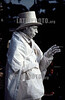 Argentina - Buenos Aires : Artista disfrazado de estatua  / Argentina - Buenos Aires: An artist representing a statue / Argentinien : Kunstler .  Statue. <br /> © Norberto Lauria/LATINPHOTO.org