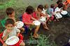 Nicaragua : Ninos con sus asientos en el refugio de Tipitapa 30 kilometros al este de Managua, unas  2,500 .    00 personas se mantienen en diferente refugios del pais, Un estado de desastre natural fue decretado ayer por el Gobierno de Nicaragua / Nicaragua: evacuated. food / Nicaragua: Freiwillige Helfer bringen nach den Ueberschwemmungen Nahrungsmittel fur die betroffenen.<br /> © Mario Lopez/LATINPHOTO.org