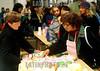 """Argentina - Buenos Aires (06-2002) : Junio 2002 .  En el Nodo llamado """"El Galpon"""" ubicado en el  barrio de Once, puede encontrar alimentos caseros / Argentina - Buenos Aires: In the exchange node """"El Galpon"""" people can buy lhome made food / Argentinen - Buenos Aires: Austausch. <br /> © Alberto Raggio/Betha/LATINPHOTO.org"""