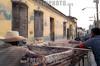 Cuba - Santiago :  vendedores ambulantes de frutas. Caballo. pobreza. / Cuba: fruits vendors. Horse. / Kuba: Obstverkäufer. Strasse. Pferdefuhrwerk. Armut.<br /> ©  German Falke/LATINPHOTO.org