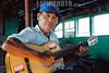 Paraguay :  Don Saba guitarreando. / Paraguay: guitarist Don Saba. / Paraguay: Der Gitarrenspieler Don Saba. ©  Fernando Allen/LATINPHOTO.org