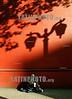 Chile  : una senora pide limosnas sentada sobre la acera frente a la iglesia de San francisco, ubicada en el centro de la capital de Chile, Santiago . pobreza. mendiga. / Chile : beggar. poverty. / Chile : Alte Frau bettelt. Schatten von Glocken.<br /> © Hector Retamal Correa/LATINPHOTO.org