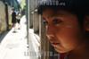 Chile : Un nino mira hacia los pasillos de un cite , ubicado en el centro de Santiago . Nene.Pobreza. / Chile : Child. A boy looks through the corridors of a cite, located in the center of Santiago . /  Chile : Ein Kind im Zentrum von Santiago.<br /> ©  Hector Retamal/LATINPHOTO.org