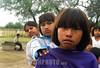 Paraguay : Ninas indigenas . Comunidad NEPOXEN del chaco paraguayo. / Paraguay : indigenous. children. / Paraguay : Indigene ethnische Bevölkerung im Chaco. Kinder. Mädchen.<br /> ©  Amadeo Velazquez/LATINPHOTO.org