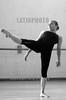 Mexico - Santiago de Queretaro: Ensayos generales de la Compania de danza contemporanea ALETEHIA , compania heredera del recien desaparecido Ballet Nacional de Mexico . / ballet. / Mexiko: Balletttänzer der Gruppe ALETEHIA. (B/W) ©  Demian Chavez/LATINPHOTO.org