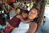 Brasil: madre con su nino .  deni - indigenas. Amazonas. hamaca. / Brazil: mother with child. Deni tribe indians. indigenous. ethnic minority. autochthons. women. mother. / Brasilien : Mutter und Kind der Deni - Indianer. Urbewohner. Ethnische Minderheit im Amazonas - Gebiet. Indigene Bevölkerung.<br /> ©  Angelo Lucas/LATINPHOTO.org