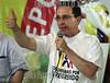 Colombia : El presidente de Colombia Alvaro Uribe , habla sobre el referendo  para que la poblacion lo apoye durante las votaciones del proximo 26 de octubre de 2003  . /  Colombia : Colombian President, Alvaro Uribe, talks about the referendum in order to get support and get to make people vote for him on the xoming elections the 26 october 2003. / Kolumbien : Alvaro Uribe. Der Präsident von Kolumbien.Rede.<br /> ©  0scar Clavijo/LATINPHOTO.org