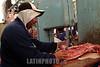 Paraguay : venta de carnes en puesto en el Mercado N∫4 . carne. carnicero. hombre. / Paraguay : Market Number 4. shop. sell. economy. vendor. butcher. meat.man. / Paraguay : Metzger. Mann .Fleisch.<br /> © Martin Crespo/LATINPHOTO.org