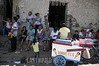 Nicaragua: Gente en Masaya . / People in Masaya . / Nikaragua: Menschen an einem Strassenrand in Masaya. ©  Angelo Favale/LATINPHOTO.org