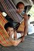 Brasil -  Amazonia : Indios de la tribu Deni , Agosto 2003 . hamacas. / Brazil : Deni tribe indians,  August 2003. hammocks. / Brasilien : Indios des ethnischen Minderheit der Den ruhen sich auf Hängematten aus.<br /> ©  Angelo Lucas/LATINPHOTO.org