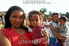 Brasil: madre con su nino .  deni - indigenas. Amazonas. hamaca. / Brazil: mother with child. Deni tribe indians. indigenous. ethnic minority. autochthons. women. mother. / Brasilien : Mutter und Kind der Deni - Indianer. Urbewohner. Ethnische Minderheit im Amazonas - Gebiet. Indigene Bevölkerung.<br /> ©  Angelo Lucas/LATINPHOTO.org