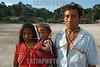 Brasil , Amazonia: Indios de la tribu Deni, Agosto 2003 .  Familia. Madre, hijo, padre. Hombre. Mujer. /Brazil: Deni tribe indians, August 2003/ Brasilien : Ein Indio der ethnischen Minderheit der Den  (DIGITAL IMAGE)<br /> ©  Angelo Lucas/LATINPHOTO.org