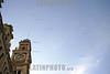Brasil : Estacao da Luz - Sao Paulo - Brasil. Por volta de 1895 o desenvolvimento acelerado do Estado e o aumento do volume de cafe transportado por ocasiao das safras, cujo transporte nao podia ser retardado, levaram os administradores da Estrada a aperfeicoar seus servicos, considerando as vantagens que seus capitais poderiam obter. Passados 36 anos da inauguracao, a linha da serra exigia modificacões que dessem maior capacidade aos planos inclinados. Dessa forma, em novo acordo com o Governo, a SPR se propos a duplicar toda a linha, reestruturar o trecho da Serra e construir novas estacões, maiores e mais modernas, de acordo com as exigencias do crescente fluxo. O acordo foi firmado e as obras tiveram inicio no final do seculo XIX. / Brasil: estacion. / Brasilien: Bahnhof Estacao da Luz in Sao Paulo. © Rodrigo Petterson/LATINPHOTO.org