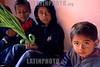 Mexico : Ninos peregrinos con ofrenda en el santuario de Juquila, 7 de agosto de 2004 en Oaxaca. / Mexico: Pilgrim kids with offer at Juquila's sanctuary, August 7, 2004 Oaxaca. / Mexiko: Kinder mit Opfergaben. Religöses Fest. Religion. © Pablo Aguinaco/LATINPHOTO.org