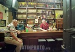 Argentina : Bar 12 de Octubre, fundado en el ano 1890, es uno de los bares mas antiguos y tipicamente tangueros de Buenos Aires, donde se reunen vecinos y m?sicos a tomar un vaso de vino y  ...