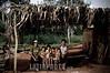 Paraguay: En Paraguay mas de 2 .600.000 hectareas de soja - el doble que en el 2001 - y en el ultimo ano se produjeron 3 ,8 millones de toneladas. Ademas de la expulsion de campesinos, los productos que se utilizan para fumigar son considerados toxicos de alta peligrosidad. El asentamiento 13 de Mayo, en el departamento de Itapua, es el escenario del intento de unas 40 familias por sobrevivir y mantener sus cultivos tradicionales en medio de ese oceano de soja. familia. pobreza. / It is the history of the settlement 13 de mayo, in the area of Itapua, Paraguay. It is a group of peasant families - about 70 people - who atempt to maintain their identity and their unique relationship with the land, within the framework of the advance of the soy monocultive. There are in Paraguay 2.600.000 hectares of soy - twice as much as in 2001- and in the last year 3.8 millons of tons have been produced, dispite the drought. /  C'est l'histoire de l'etablissement 13 de Mayo, dans la region de Itapua, Paraguay. C'est un group de familles paysannes - un total de 70 personnes - qui essayent de soutenir leur identite et leur liaison avec la terre, dans le cadre de l'avancee du monocultive du soja. Au Paraguay, il y a 2.600.000 hectares de plantation de soja - deux fois plus que dans l'annee 2001 - et dans l'annee derniere 3.8 millons de tonnes de soja ont ete produits malgre la secheresse. / Sojabauern in Encarnacion. Landwirtschaft. Sojaanbau. Familie bei einer Holzhütte. Armut. Kinder. © Sebastian Hacher - Olmo Calvo Rodriguez/LATINPHOTO.org