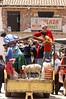 Peru: mercado de los indigenas . trafico. oveja. / Peru: Indigenous. / Peru: Indigenas auf dem Weg zum Markt. Verkehr. Schaf. © Pino Convino/LATINPHOTO.org