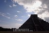 """Mexico - Yucatan , Mex .-Zona arqueologica de Chichen Itza, en el estado de Yucatan donde cada ano durante el equinoccio de solar de primavera y otono un efecto de sombras simula el descenso de kukulcan a la tierra desde la piramide principal denominada """"el castillo"""", ademas es considerado la capital regional mas importante del area maya en los anos 750 a 1200 D.C., destacan las construcciones del """"juego de pelota"""", el """"templo de los guerreros"""", un observatorio astronomico llamado """"el caracol"""" y el """"cenote sagrado"""" donde se sabe que los mayas sacrificaban a doncellas como ofrenda a los dioses. Chichen Itza se ubica a 120 kilometros de Merida, la capital del estado. / Mexiko: Chichen Itza. AusgrabungsstŠtte. Maya-Stadt. Tourismus."""