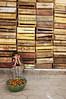 Guatemala : Una nina vende jocotes fruta de temporada en San Juan La Laguna , Guatemala / Guatemala: girl poverty / Guatemala: Ein Mädchen verkauft Früchte © Jesus Alfonso/LATINPHOTO.org