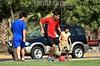 Chile : Jovenes juegan futbol en la calle en Stgo de Chile / Boys are playing soccer in public place , Chile, Santiago City / Kinder spielen Fussball © Alejandro Rustom/LATINPHOTO.org