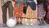 Mexico : El futbol no tiene fronteras , ni diferencias de clases slociales, ni idiomas, mismo asi en esta imagen se<br /> demuestra que el futbol se encuentra en todas partes<br /> del mundo, mismo asi en los ligares mas olvidados por<br /> el hombre / Mexiko: Kinder Mädchen und Jungen spielen Fussball © Ricardo Hernandez/LATINPHOTO.org