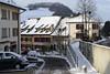 Dorfansicht von Läufelfingen im Winter.