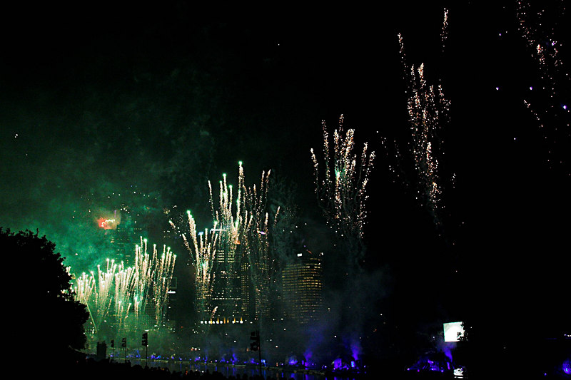 The fireworks then erupted: in green...