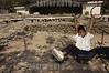 Guatemala : Un nino juega en el parque central de San Marcos la Laguna Guatemala , el cual no ha sido reconstruido luego de la tormenta Stan . / child. boy. / Ein Junge spielt auf dem Spielplatz in San Marcos la Laguna. © Jesus Alfonso/LATINPHOTO.org