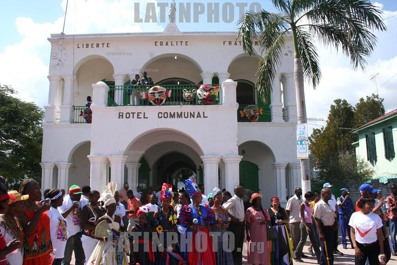 Haiti : Carnaval de la cuidad de la luz , Jacamel. Hotel Communal . / carnival. / Karneval in Jacmel. © Jean Jacques Augustin/LATINPHOTO.org