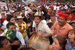 Venezuela : Delegados al VI Foro Social Mundial marchan por la Avenida de los Proceres en la inauguracion del Foro      24 de enero de 2006 . / World Social Forum's delegates during the inau ...