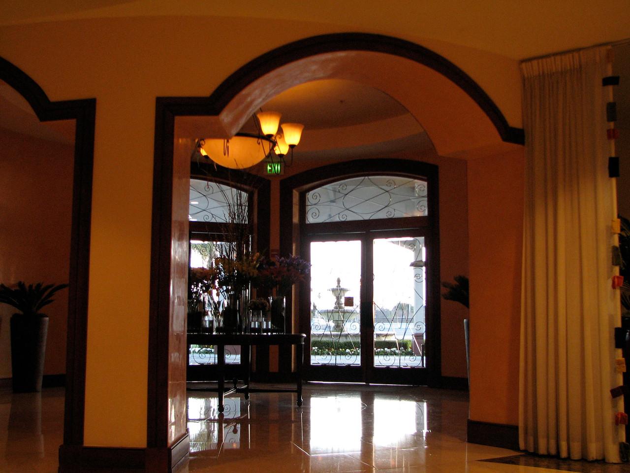 2007 02 18 Sun - San Mateo Marriott lobby 2