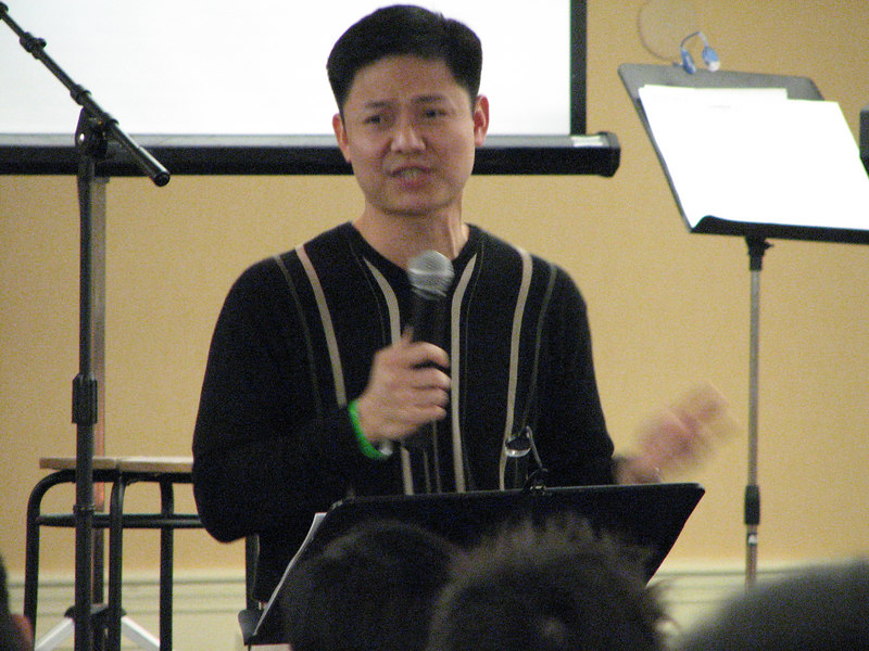 2007 02 17 Sat - Frank Dang sharing testimony close up